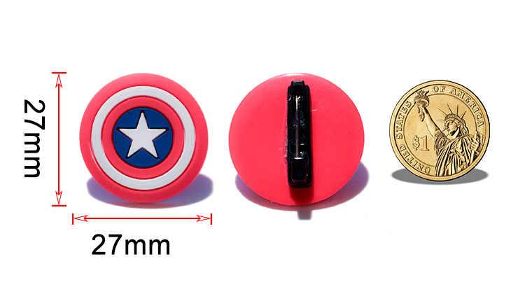 1PCS Marvel Avengers PVC Del Fumetto Icona Spilla Spilli Distintivo Anime Figura Super-Eroe Spilli Pulsante Distintivo Zaino Vestiti Cappello decor