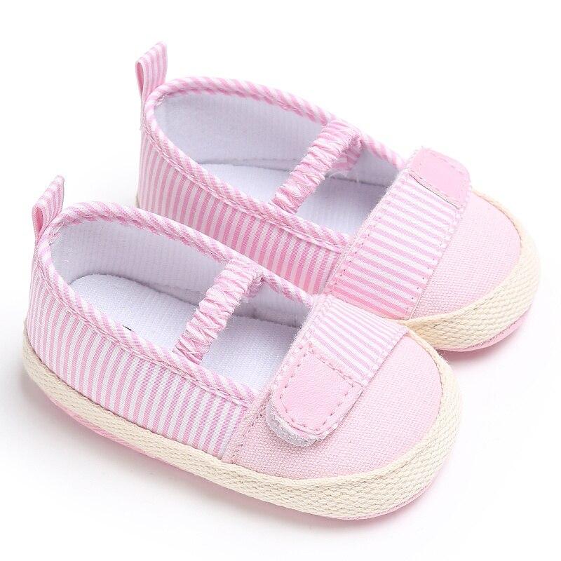 Для новорожденных девочек милые полосатые для малышей Холст мелкой Эластичная лента Обувь для малышей на мягкой подошве Мокасины