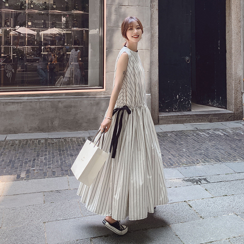 Net nouvelle robe d'été version coréenne de col rond rouge longue section de tempérament rayure robe sans manches mode des femmes