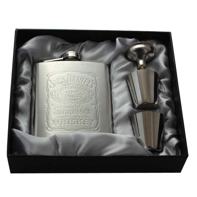 Whisky Hip Flask 7oz set Portable Stainless Steel Flagon Wine Bottle Gift Box Pocket Flask With 1 Funnel 2 Cups