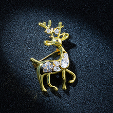 New Gold Color Cubic Zirconia Little Deer Brooch Pin Women Fashion Shinning Crystal Reindeer Animal Brooches Suit Jewelry
