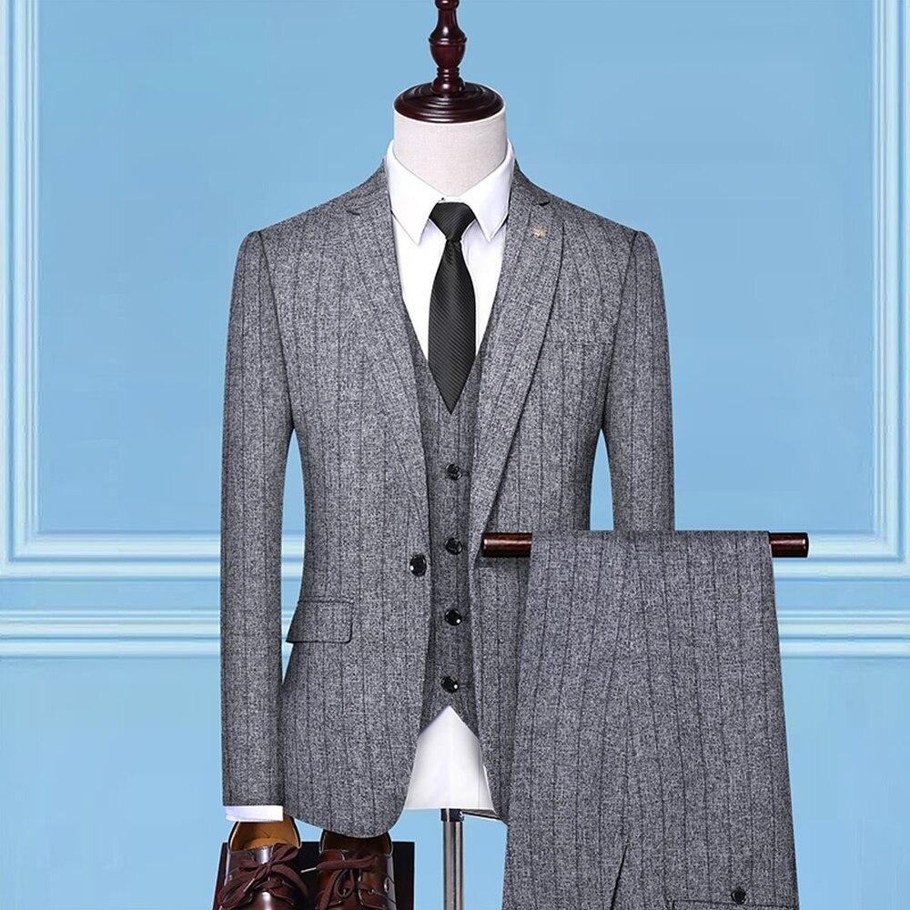 Erkek Kıyafeti'ten T. Elbise'de 3 adet Set Erkek Takım Elbise şerit Slim Fit Düğün Takımları Damat Smokin Resmi Iş gündelik Iş Elbisesi Takım Elbise (Blazer + pantolon + Yelek)'da  Grup 3