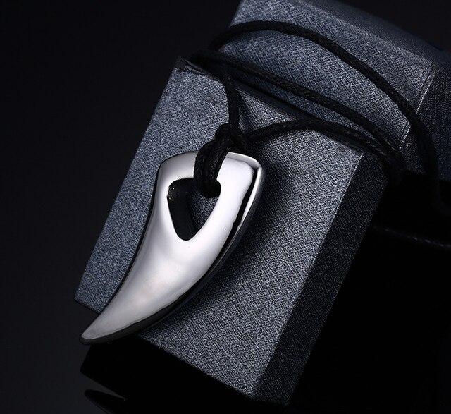 Fashion Black Stainless Steel Necklace Bull Horn Design Man Jewelry Punk Biker Men's Pendants Necklaces
