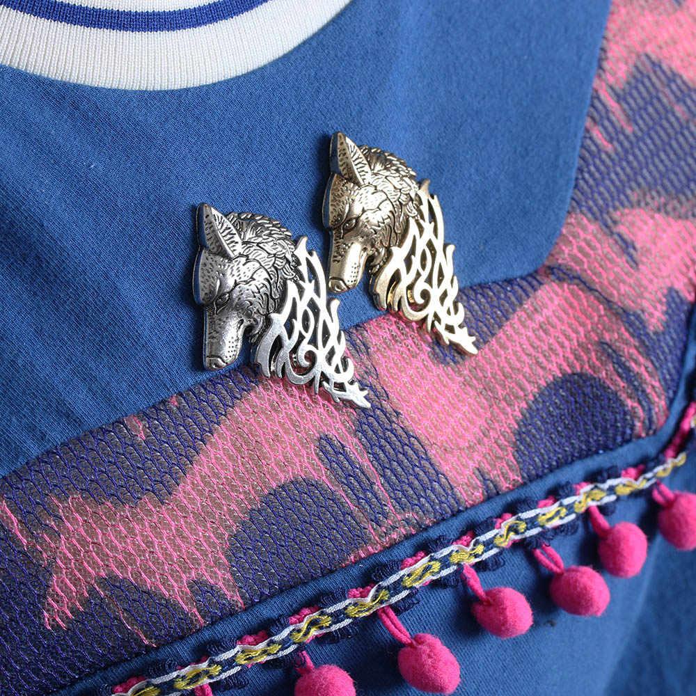 1 PC Charming Dell'annata Degli Uomini Punk Lupo Distintivo Spilla Risvolto Spille Camicia Del Collare Del Vestito Indossare Gioielli Bel Regalo di Modo Accessori