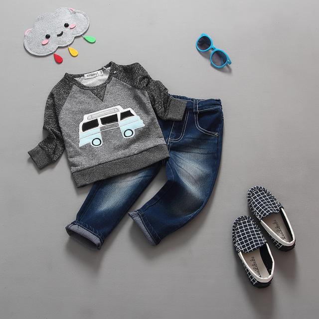 2015 Mais Novo conjunto de roupas de Outono das Crianças terno do bebê do menino definir 100% algodão Crianças carro camisas de manga longa + calças jeans/calças de brim