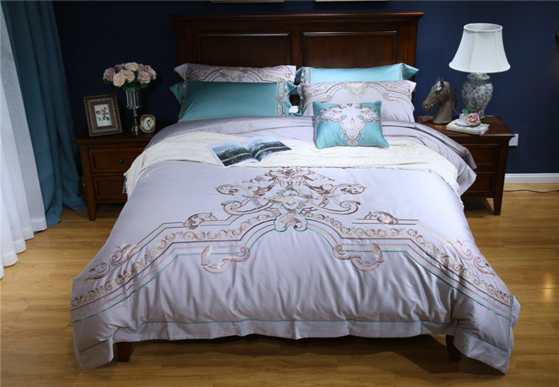 Gray Embroidered Bedding set 4pcs queen king size 100% Egypian cotton Royal duvet cover set bed linen bed sheet pillowcasesGray Embroidered Bedding set 4pcs queen king size 100% Egypian cotton Royal duvet cover set bed linen bed sheet pillowcases