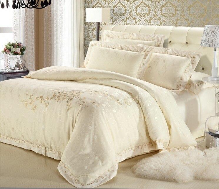 couvre lit or Classique blanc / argent / or Satin de soie brodé couvre lit dans  couvre lit or