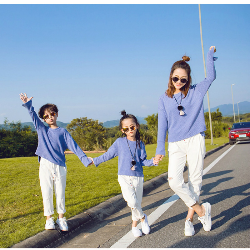 2018 New Spring Family Matching Outfits Mother and Daughter Long Sleeve Sweatshirt+Pants 2Pcs Suit Mom Kids Clothing Sets CC780 round neck long sleeve 3d coins print sweatshirt