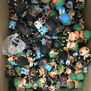 Funko Action-Figure Loose Collectible-Model Vinyl Random Cheap Original No Toy Imperfect
