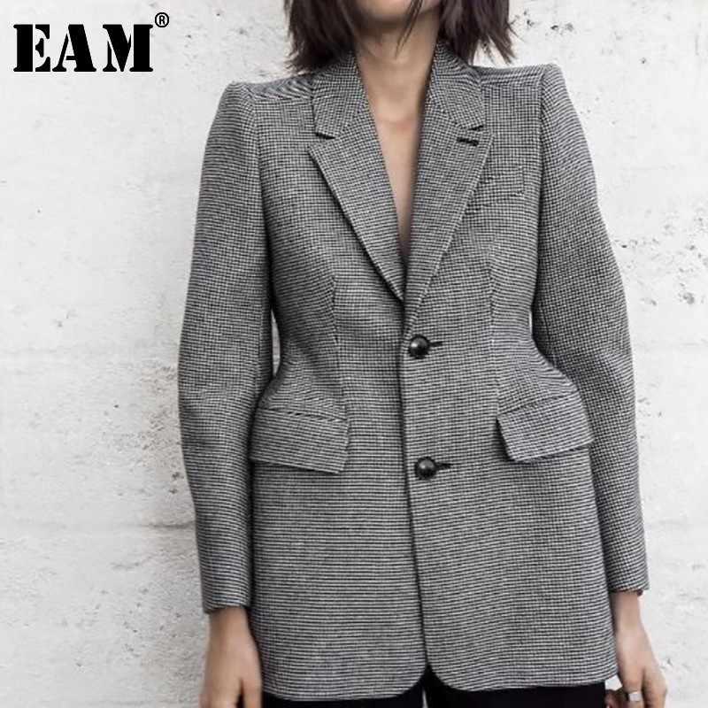 [[EAM] 2019 Mới Thu Đầy Đủ Tay Kẻ Sọc Cổ Bẻ Túi Nút Chiều Dài Trung Bình Áo Khoác Thời Trang Nữ thủy Triều OA817
