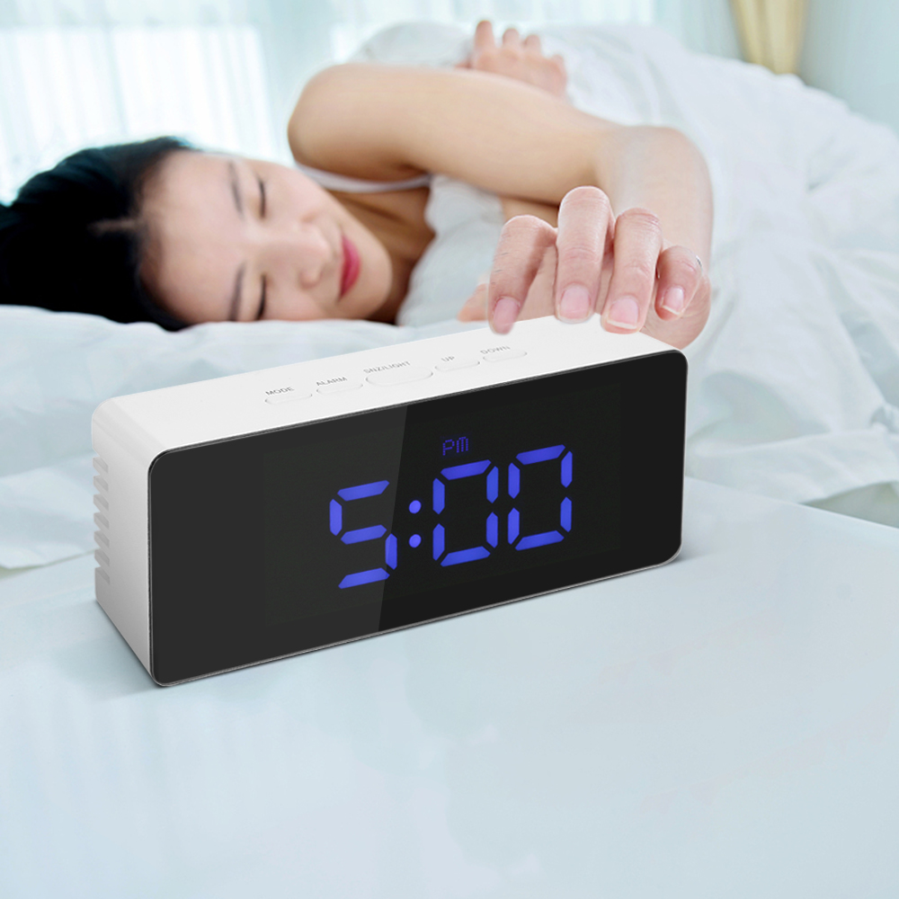 digital led desktop clock alarm clock usb battery operated display mirror clock with snooze. Black Bedroom Furniture Sets. Home Design Ideas