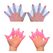 Здесь можно купить  *2017 New 1 Piece Silicone Swimming Hand Fins Flippers Palm Finger Webbed Gloves Paddle wholesale for Fast and light swimming