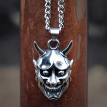 Mens Fashion Stainless Steel Anger Skull Pendant Necklace Silver Color Punk Biker Skeleton Jewelry