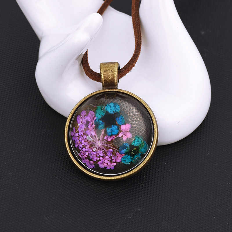 Houbian Vintage Glass Flower Pendant Necklace Handmade Glass Dome Flower Necklace for Women's Gift