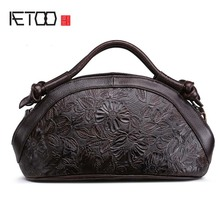AETOO 2017 New Arrival Oil wax Genuine Leather Women Handbags Fashion embossed Crossbody Bags Female Handbag Trend Bag Bolsas
