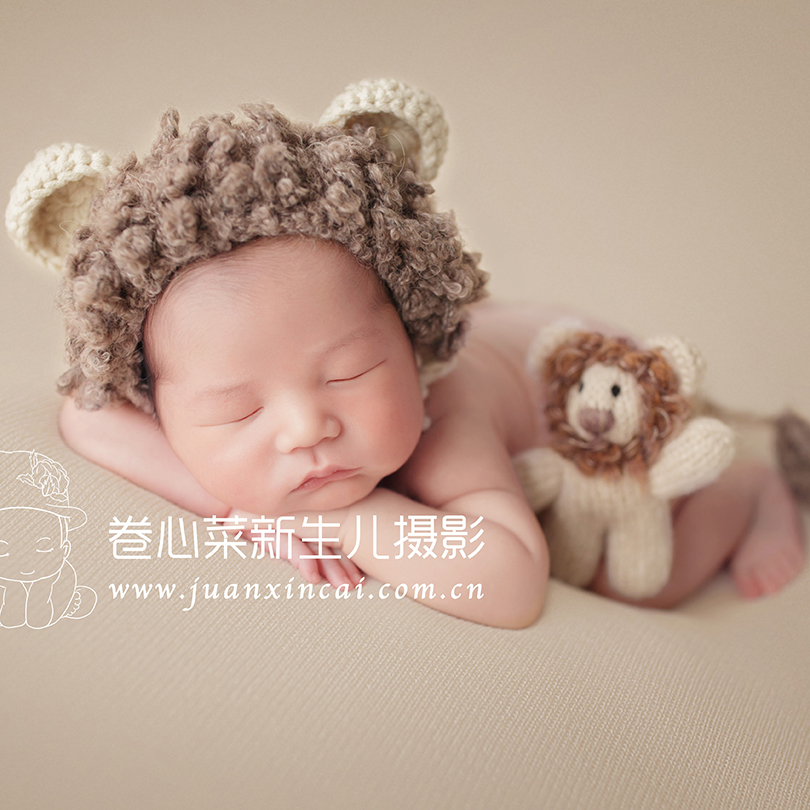 532ee778638 Cream Newborn Lion hat toy set Baby boy hat Photography Stuffed Animal  Knitted Infant Teddy bear Bunny Outfit photo props