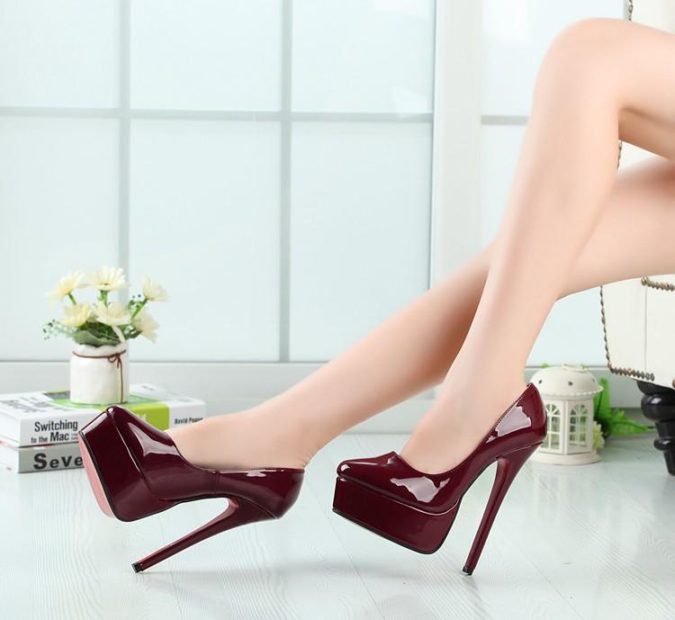 heels crossdresser