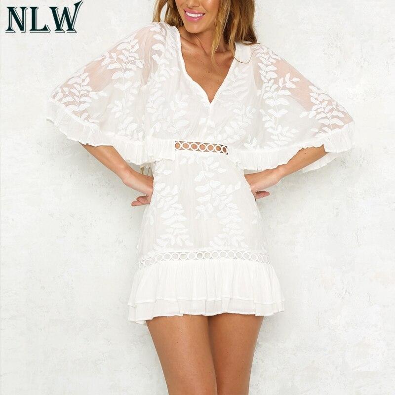 NLW Malha rendas Bordado Vestido Peplum Plissado Vestido Hem Wommer verão Mini Vestido de Crochê 2018 Alargamento V Neck Femme Menina Vestidos