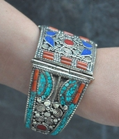 Collect Exquisite Old tibet silver Inlay Turquoise Coral Bracelets Bracelet in