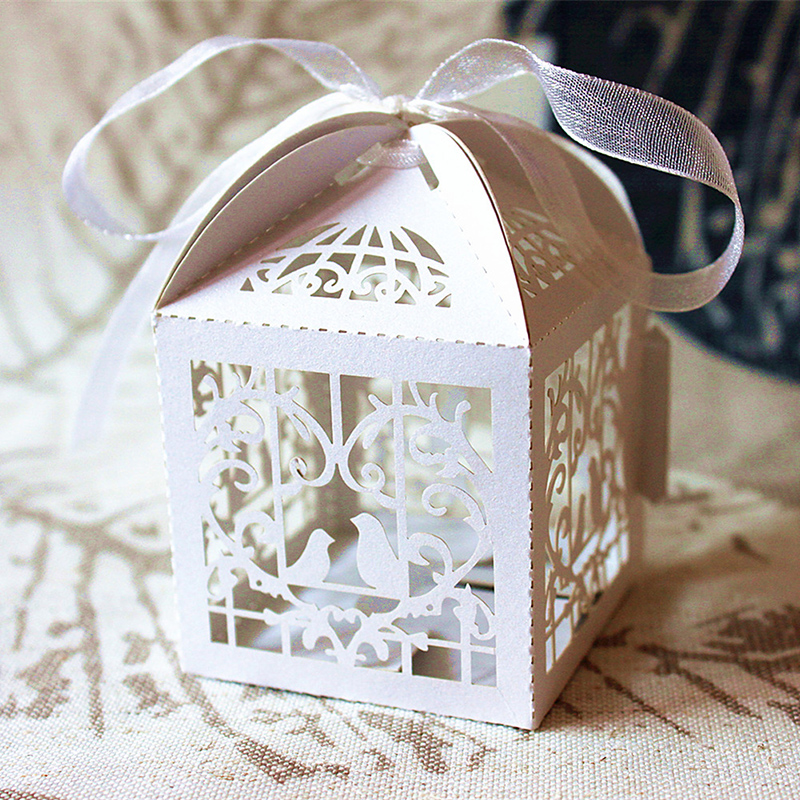 Chic 50 Pcs Party Wedding Favor Box Love Heart Laser Cut Candy Gift Boxes Wedding Ribbon Sweet Style