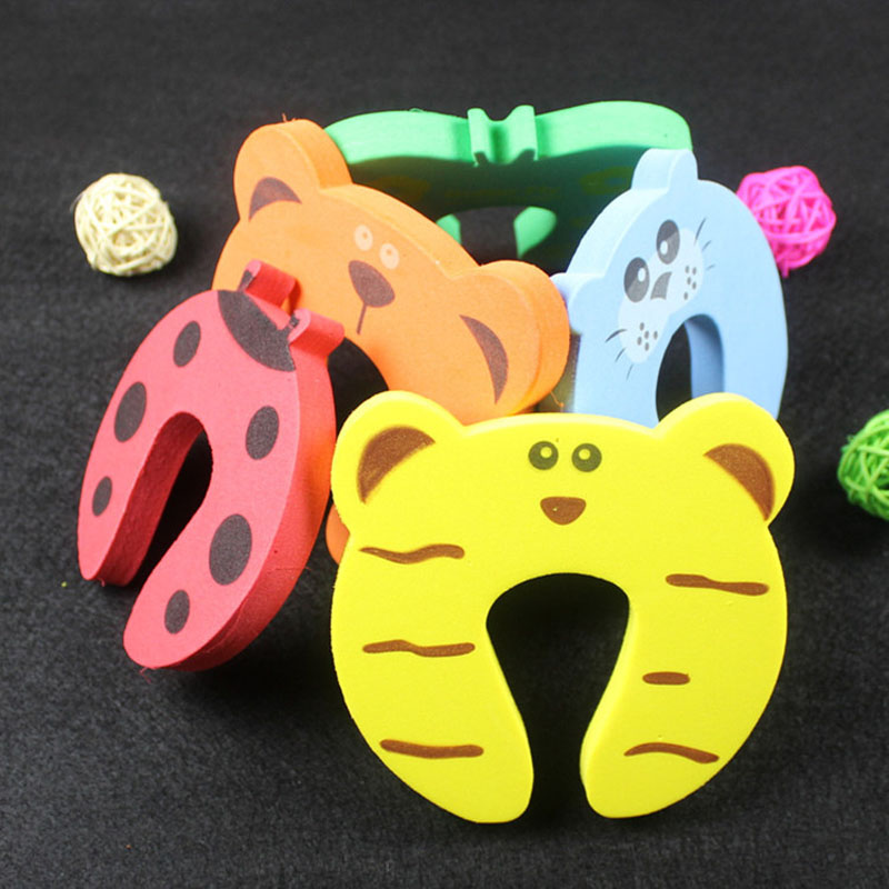 5 Pcs/Set Clamp Cartoon Animal Pinch Baby Kids Finger Protector Hand Security Stopper Clip Children Safety Door Card Hog 5pcs lot baby newborn care child lock protection from children protection baby safety cute animal security card door stopper