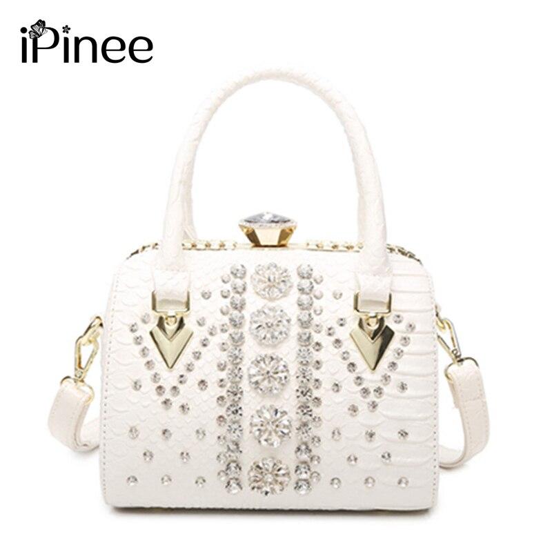 e0c1d2bba98b 2018 iPinee кожаная сумка-мешок для женщин со стразами на ремне роскошная  сумка-тоут маленькая емкость подушка сумка