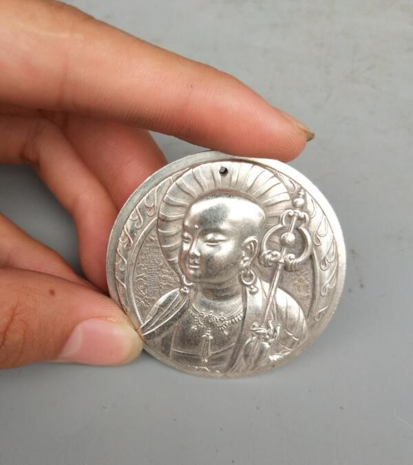 China Collectable Handmade Carved Statue Tibet Silver Amulet Pendant