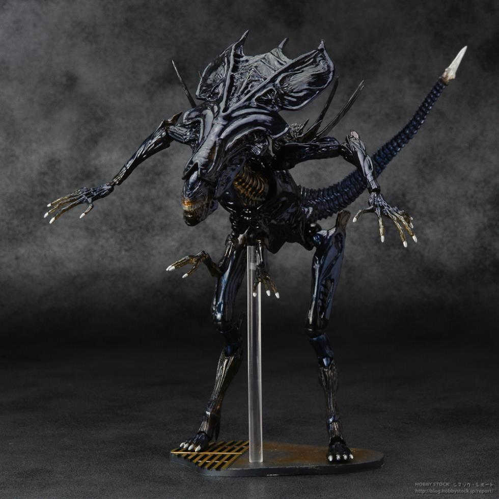 Sci-Fi Revoltech Series 018 Alien Queen PVC Action Figure Collectible Model Toy alien figure 018 alien queen xenomorph 18cm pvc action figures doll toys