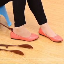 Shoe Horn Hanging Lengthen PP TPE Shoehorn Long Shoe Horn For The Aged & Pregnant Woman Gifts Shoes Accessories 16/30cm(China)
