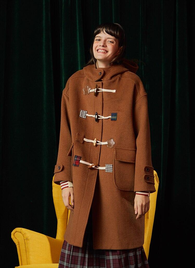 Designer High Quality Women Hooded Winter Warm Casual Woolen Coat Camel Horn Buckle Loose Long Blends Coat Outwear 2019