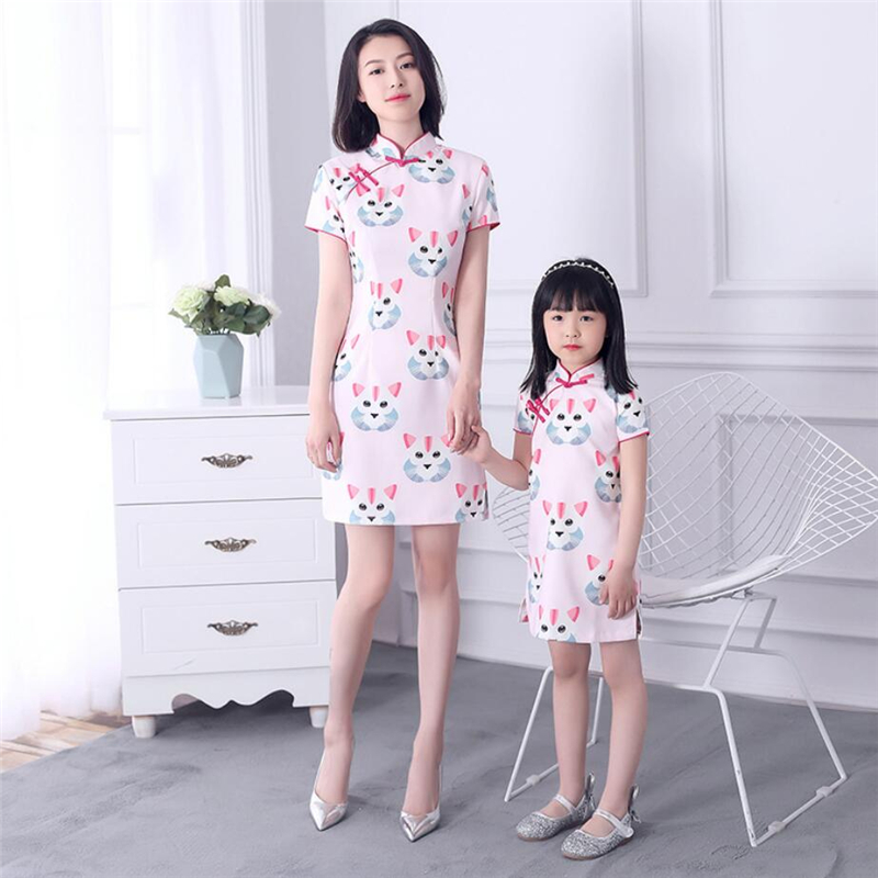2019 Kids Chinese Dresses Traditional Clothing For Mother And Daughter Cat Print Cheongsam Dress Women Girls Family Match Robe