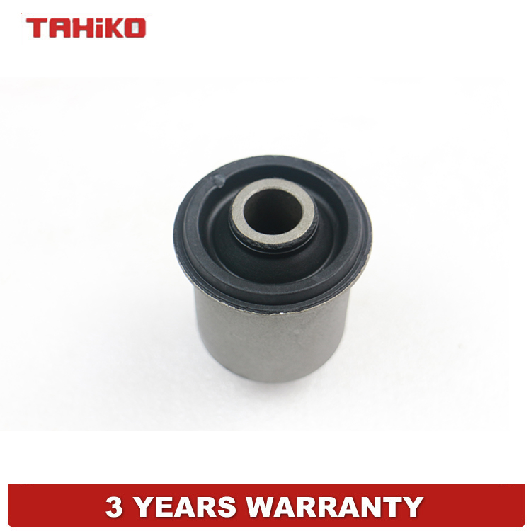 US $3 99 |Control Arm bushing Trailing Arm Bush fit for Nissan PATHFINDER  (R50) 2 7 TD 4WD 3 3 V6 , 54560 0W000-in Control Arms & Parts from