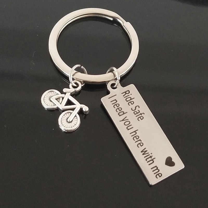 Laser khắc keychain đi xe an toàn trái tim tôi cần bạn ở đây với tôi xe đạp mặt dây chuyền vòng chìa khóa chữ key vài chuỗi quà tặng