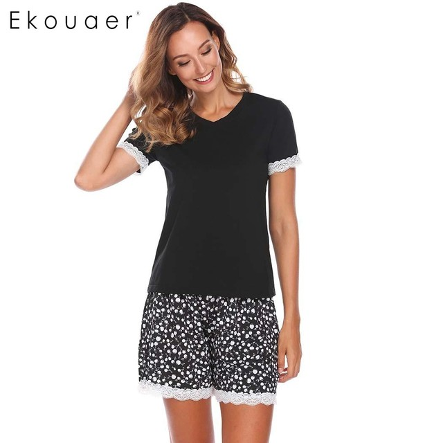 Ekouaer Women Casual Two Piece Pajamas Set V-Neck Short Sleeve Lace  Patchwork Blouse Printed Shorts Pajamas Female Nightwear acd067e38