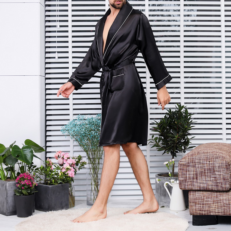 2019 Summer Men's Bathrobe Printed Pajama Silk Robe Men's V-neck Thin Nightgown Soft Satin Bathrobe Long-sleeved Large Size Robe
