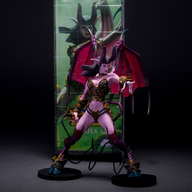 WOW Succubus Demon Amberlash Warlock Pet Action Figure Toy Anime Figure Collectible Model Toy image