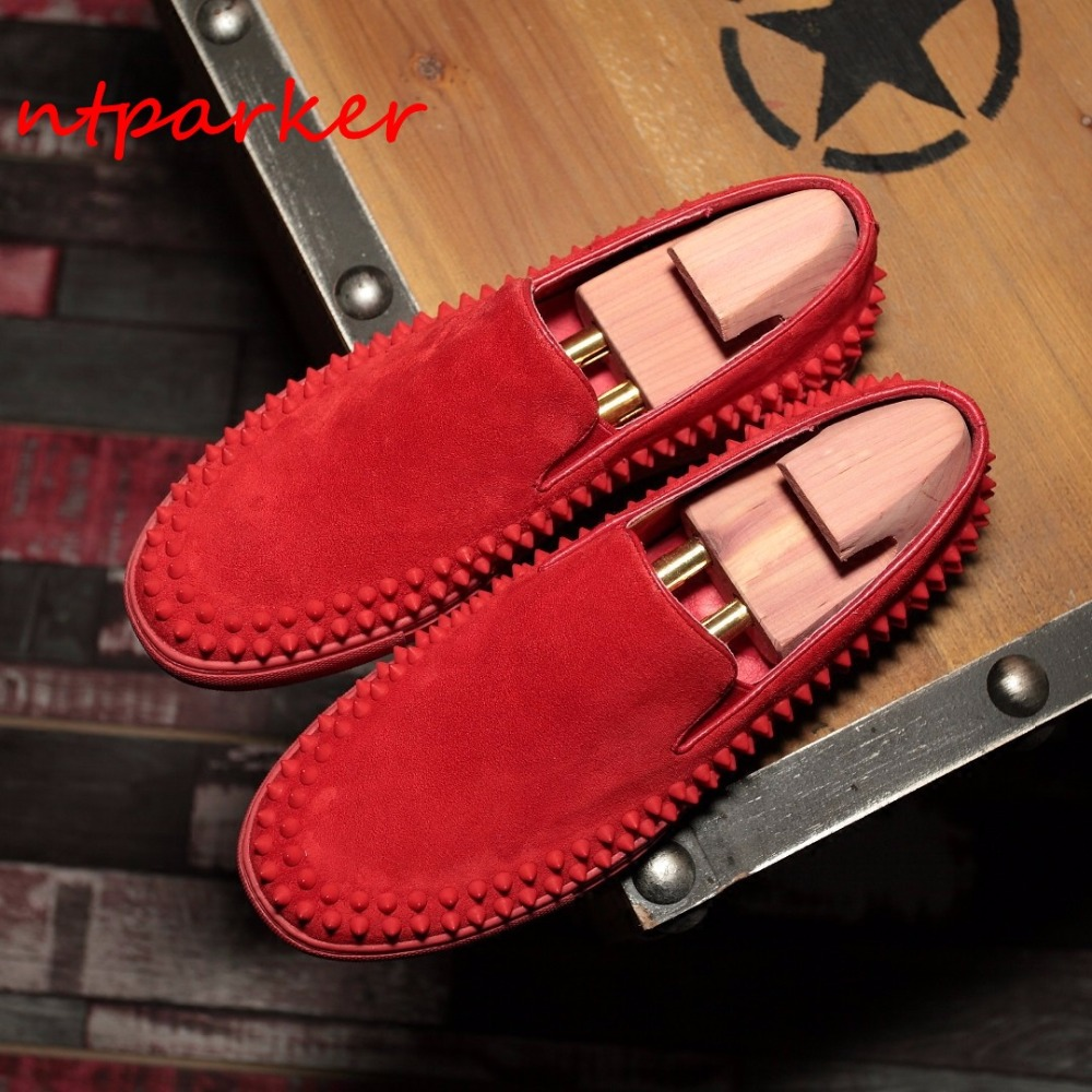 Red Black Men Loafers Spike Rivets Breathable Flats Genuine leather Summer Spring Flats Slip on Driving Boats Hombre Sapatos new 2017 men s genuine leather casual shoes korean fashion style breathable male shoes men spring autumn slip on low top loafers