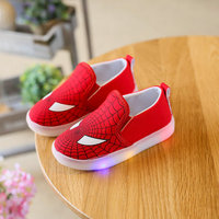 Children LED Shoes 2017 New Toddler Design Printed Cartoon shoes Kids Casual Sneakers flashing Spiderman Boys Shoe with light