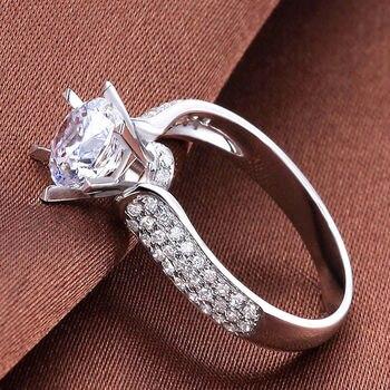 3f1200cfe3a9 WYJZY hecho con incrustaciones de zircon damas exquisito anillo novia boda  joyería de compromiso