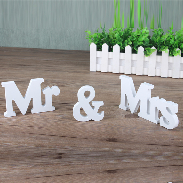 1 set solid white wooden letters for wedding decoration mr mrs wood mininature figurines sign top