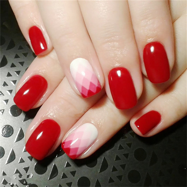 syrdyca 24 gradient rouge motif faux ongles court faux ongle ovl rouge solide ongle avec con u. Black Bedroom Furniture Sets. Home Design Ideas