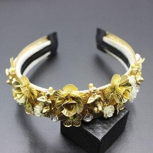 Image 1 - 2019 Fashion new luxury baroque catwalk court hair hoop gorgeous gems hair hoop hair Fashion luxury wild dance headband 304