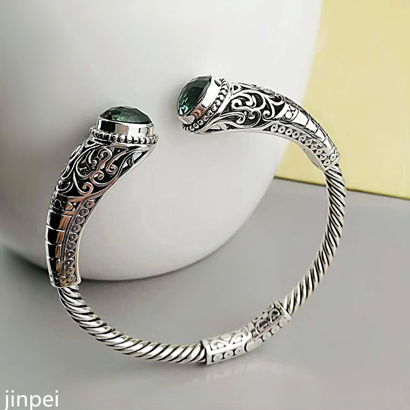 KJJEAXCMY Fine jewelry 925 sterling silver new product, hollowed out green crystal, opening Thai silver bracelet, women's antiqu natural tanzania bracelet fashionable new product design jewelry exhibition new product 925 silver beautiful lady attention coll