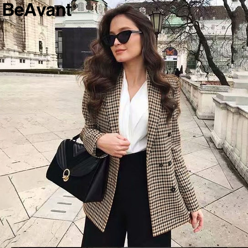 BeAvant Double Breasted Short Plaid Women Blazer Long Sleeve Pocket Tweed Ladies Blazer 2018 Winter Jacket Office Suit Female