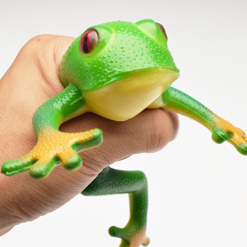 15*15cm Frog Model Plastic Figures Kids Toy Sets Halloween Gift Emulation Education Rainforest Green Gold Frog Landscape Decor