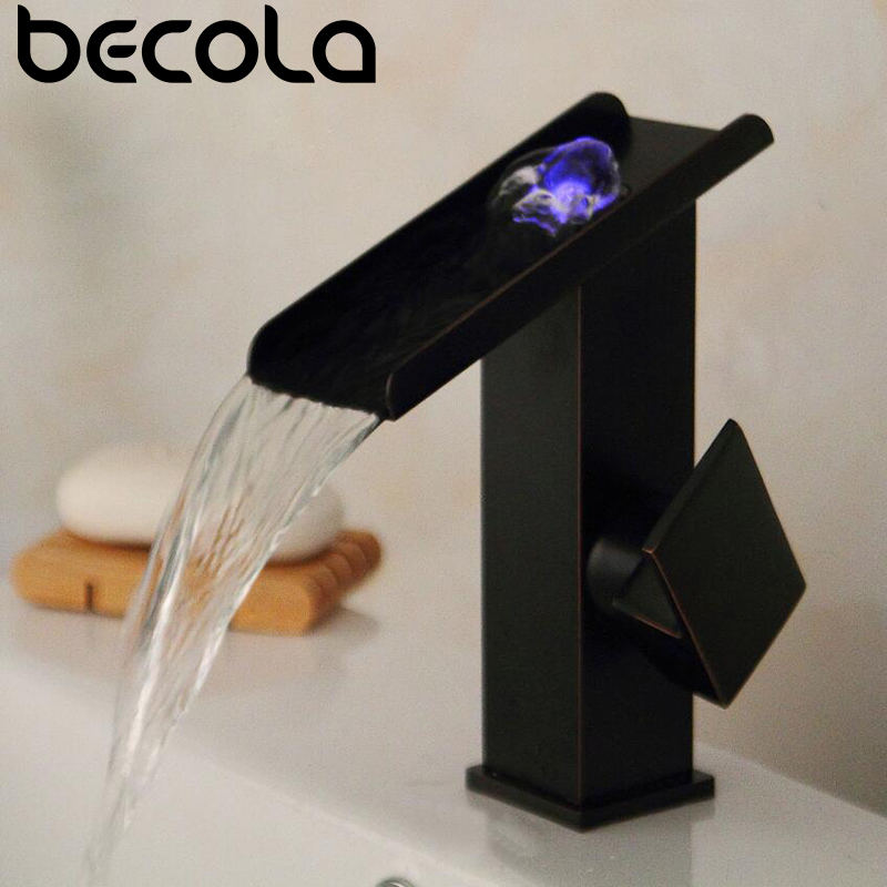 Три цвета меняют светодио дный свет БАРСС водопад смеситель для ванной комнаты. Черный Палуба крепление площади раковина смеситель