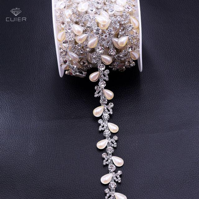 10yards White pearl Leaf Shape Rhinestone Chain Clothing Rhinestone Trims  Wedding Evening Dress Decoration Patches Appliques b0d886f5a3ef