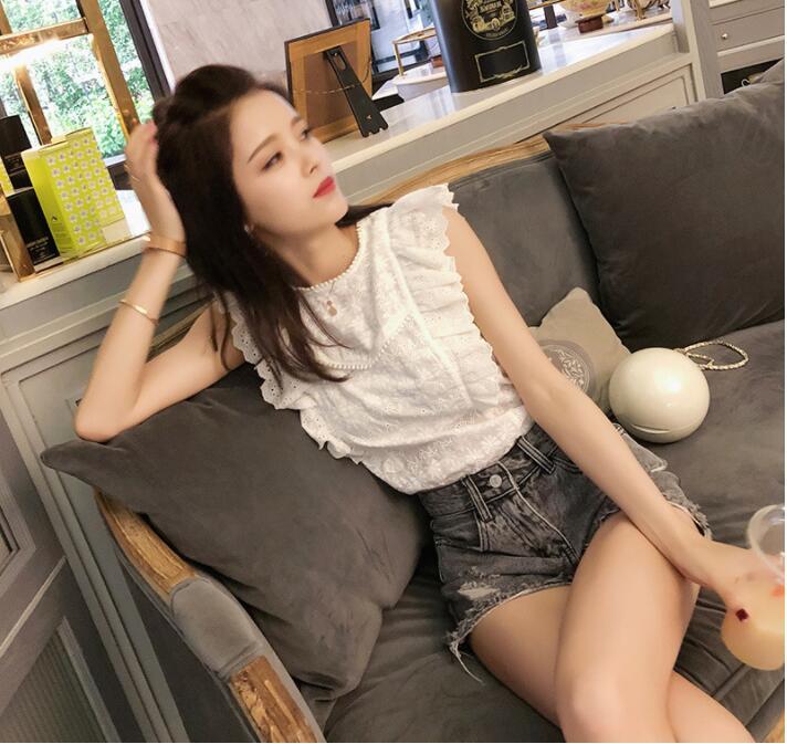 Summer Women Shirts Lace Shirts Sweet Embroidery Sleeveless Ladies White Chic Sexy Femininas Elegant Office Blouse Tops
