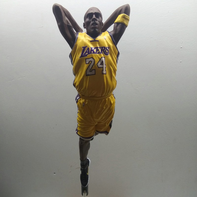 ФОТО  arrive 29cm NBA star limited edition Kobe Bryant Action Figure Model Toys Collections Dolls Get a stadium and Stand
