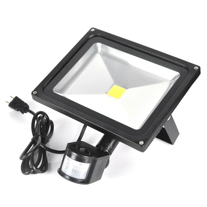 BORUiT 20W 30W AC85-256V Induction Floodlight PIR Motion Sensor LED Spotlight Waterproof IP65 Reflector Led Flood Light led floodlight pir motion sensor black ac85 260v